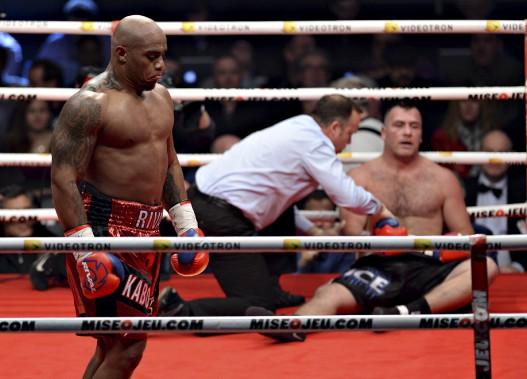 Le combat entre Oscar RIvas (gagnant) et Joey Abell (Le Soleil, Patrice Laroche)