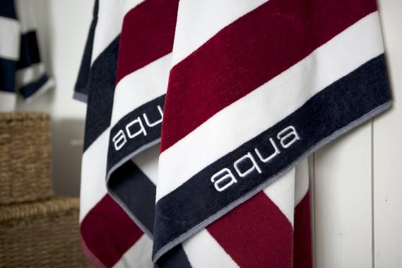On a envie de tout acheter dans la boutique Aqua qui s'est installée cette année dans le quartier Petit Champlain. Un concept importé de Croatie qui propose vêtements, vaisselle, linges de maison dans des teintes nautiques. Ces belles serviettes éponge 100 % coton, vendues 59 $ chacune, s'harmonisent dans quatre jeux de couleurs. Information : <strong>boutiqueaqua.com</strong><strong></strong> ()