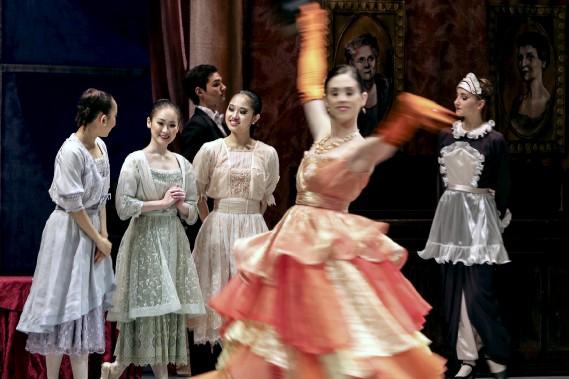 Jusqu'au 6 décembre, le Royal Winnipeg Ballet présente le classique<em>Casse-Noisette</em>sur les planches du Centre national des arts. (Patrick Woodbury, LeDroit)