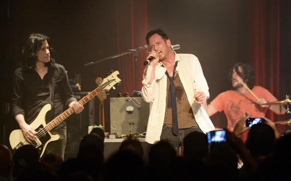 Scott Weiland en spectacle au Cercle, à Québec, le 16 juillet 2014. (Photothèque Le Soleil, Jean-Marie Villeneuve)