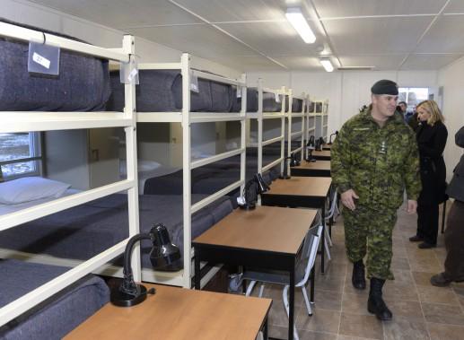 Comme la rénovation des dortoirs était déjà prévue, les sommes consacrées à l'opération ne seront pas perdues si la base n'héberge finalement aucun réfugié. (Le Soleil, Jean-Marie Villeneuve)