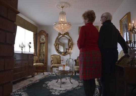 Andrée et Michel n'ont de cesse de dénicher des antiquités pour enrichir leur condo du Campanile. (Le Soleil, Yan Doublet)