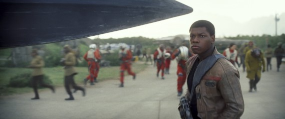 John Boyega interprète Finn. ()