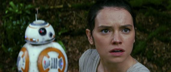 BB-8 et Rey (jouée par Daisy Ridley) (Lucasfilms)