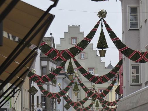 Les décorations dans les rues sont toutes plus originales les unes que les autres. Celles-ci ont été photographiées à Ratisbonne, une ville classée au Patrimoine mondial par l'UNESCO avec ses quelques 1200 monuments historiques aujourd'hui protégés. (Collaboration spéciale)