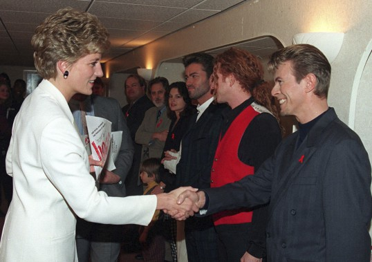 Avec la princesse Diana en 1993. (Associated Press)