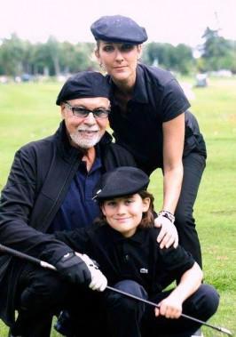 René Angélil et Céline Dion au golf avec leur fils René-Charles en 2010. (PHOTO ARCHIVES LA PRESSE)