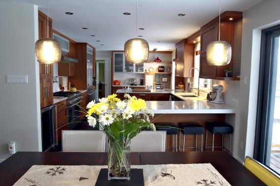 La cuisine occupe l'espace central de la maison. (Le Soleil, Pascal Ratthé)