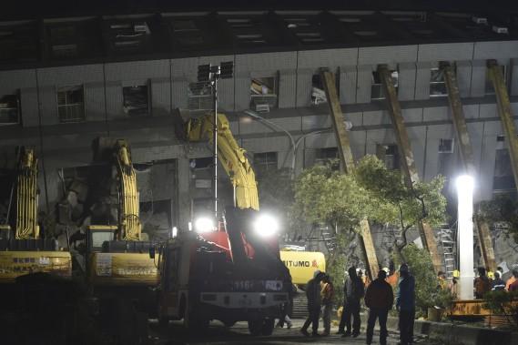 Au moins 800 militaires ont été mobilisés pour aider aux secours. (AFP, Sam Yeh)