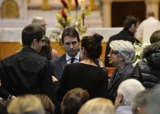 Le chef du Parti québécois Pierre Karl Péladeau et la député Agnès Maltais ont offert leurs condoléances aux familles. (Le Soleil, Caroline Grégoire)