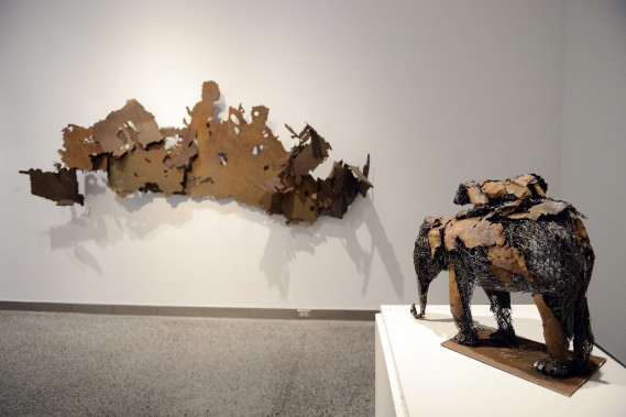 L'exposition <em>L'homme et la matière</em> de Don Darby (Photo Le Progrès-Dimanche, Jeannot Lévesque)