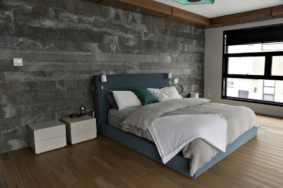 Le lit de la chambre principale a été fabriqué par Le Saint Construction, qui s'est inspiré des meubles de la compagnie italienne Poliform. (Le Soleil, Patrice Laroche)