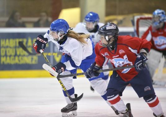 Équipe Québec est la troisième formation entièrement féminine à participer au Tournoi pee-wee. (Le Soleil, Jean-Marie Villeneuve)