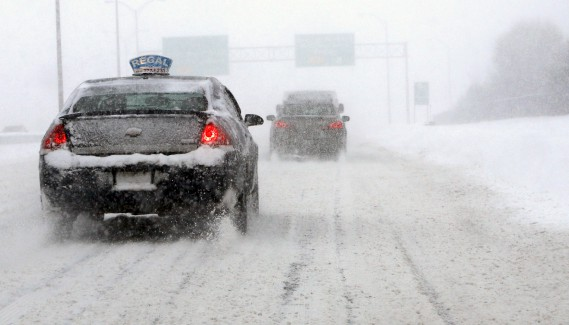 Plus de 49 cm de neige sont tombés sur la capitale fédérale, mardi, éclipsantle précédent record de 40,6cm, qui datait de1947. (Simon Séguin-Bertrand, LeDroit)