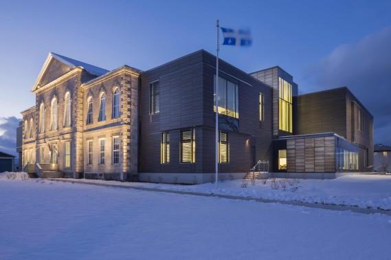 CCM2, Groupe A et Roy-Jacques architectes ont eu le prix Établissement public pour la réalisation du palais de justice de Montmagny. (Stéphane Groleau)