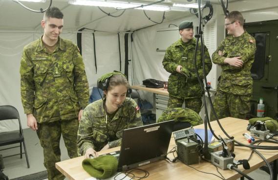Quelque 230 réservistes de l'Est-du-Québec des Forces armées canadiennes ont pris part à un exercice militaire à Saguenay en fin de semaine. (Photo Le Quotidien, Michel Tremblay)
