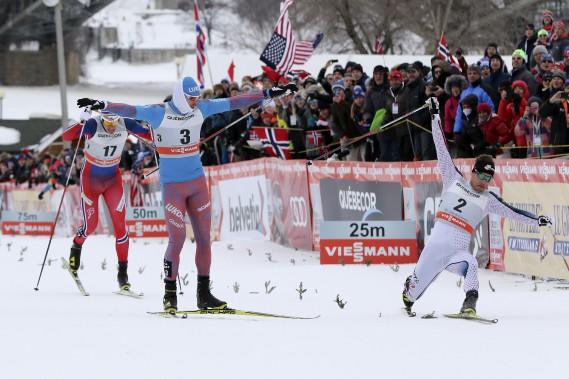 Ches les hommes, le gagnant Sergey Ustiugov (numéro 3) et le fondeur Simon Hamilton (numéro 2) qui a terminé troisième. (Patrick Woodbury, LeDroit)