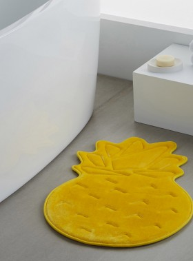 Tapis de bain en microfibre, Simons, 15 $(en magasin et sur simons.ca) (Photo simons.ca)
