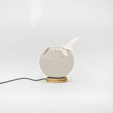 La Batlampe en béton et grillage métallique, une conception de Catherine Gagnon, de Noémie Martin-Chouinard et de Karolann Verrault-Bédard ()
