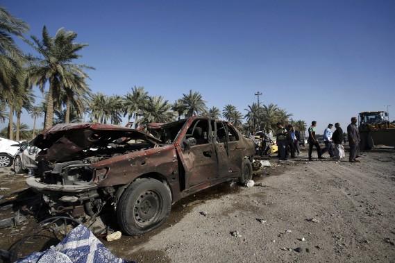 De longues files de voitures attendant de passer les contrôles de la sécurité se forment habituellement autour du<em>checkpoint</em>à cette heure de la journée. (AFP, Haidar Hamdani)