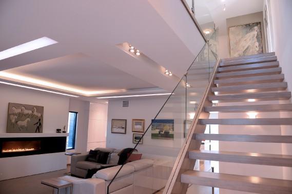 L'art s'invite partout dans cette maison contemporaine, où chaque pouce carré a été pensé et construit par les propriétaires. (Le Soleil, Erick Labbé)