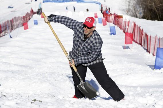 La neige demandait beaucoup d'entretient à cause de la température (Patrick Woodbury, LeDroit)