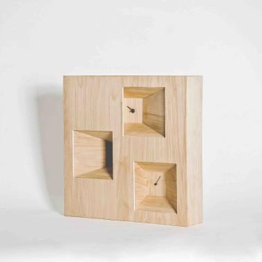 L'horloge En trois temps, trois mouvements a obtenu la mise la plus élevée (800 $). Elle a été conçue par Sophie Binette, Cassandre Bouchard, Jérôme Duval et Émilie Sirard. (Photo fournie par L'Objet)