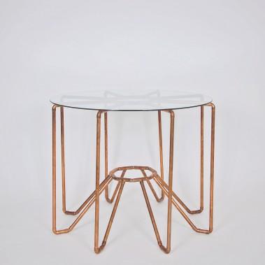 La table de cuivre et de verre Steampunk a été réalisée par Delphine Lepage, Sandrine Toulouse et Alexis Jodoin. (Photo fournie par L'Objet)