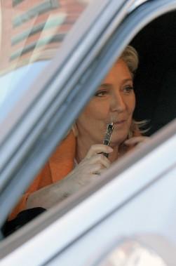 Marine Le Pen, chef du Front national, était de passage à Québec dimanche. Elle a fait une conférence de presse à l'hôtel Marriott de la place D'Youville. (Le Soleil, Erick Labbé)