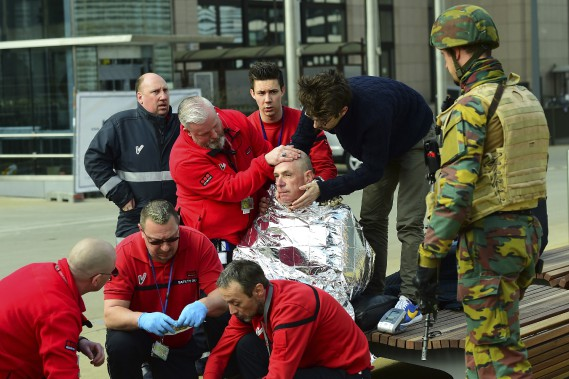 Une des victimes de l'explosion dans le métro. (Agence France-Presse, Emmanuel Dunand)