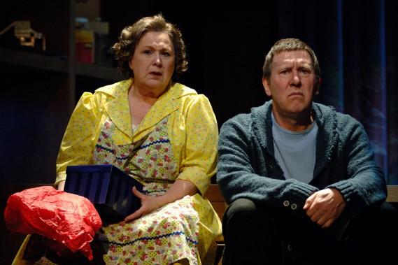 Rita Lafontaine et Gilles Renaud dans la pièce <em>Bonbons assortis</em> en 2006. (PHOTO SUZANNE O'NEILL)