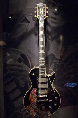 La Gibson 1957 de Keith Richards peinte à la main (AP, Joel Ryan)