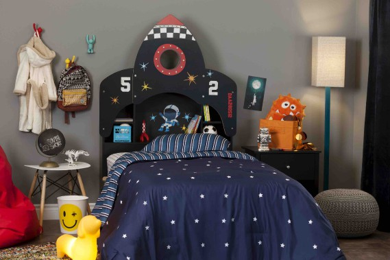 Collection Vito pour enfants.Quand l'enfant grandit, les parents peuvent retirer le panneau et conserver une tête de lit neutre avec une bibliothèque intégrée. (Fournie par Meubles South Shore)
