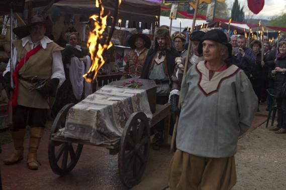 Pendant ce temps en Espagne, on soulignait l'anniversaire de la mort d'un autre géant de la littérature, Miguel de Cervantès. L'auteur de <em>Don Quichotte</em>est décédé lui aussi le23 avril 1616. (Photo AP, Paul White)