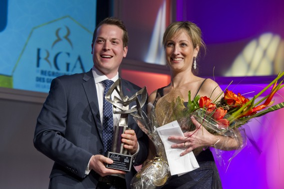 Le prix Dirigeante de l'annéea été donné à Marie-Claude Doucet, dg du MIFO.Le prix lui a été remis par leconseiller municipal ottavien Mathieu Fleury. (Martin Roy, LeDroit)