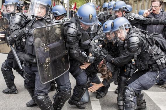 La manifestation a dégénéré à Lyon. (AP, Laurent Cipriani)