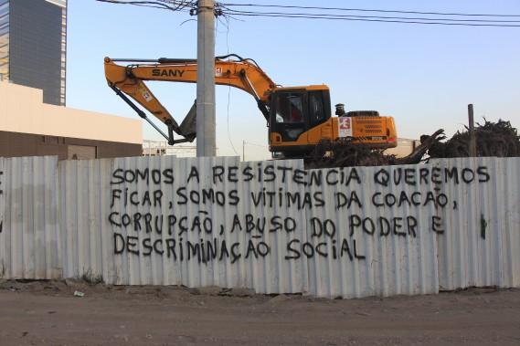 «Nous sommes la résistance, nous voulons rester, nous sommes victimes de contrainte, de corruption, d'abus de pouvoir et de discrimination sociale.» (Collaboration spéciale Guillaume Piedboeuf)