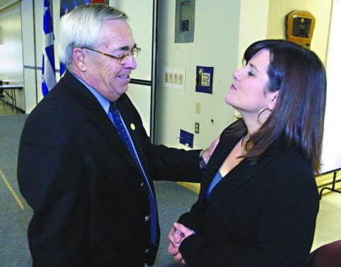 Réjean Lafrenière a cédé sa place à Stéphanie Vallée comme porte-couleur du Parti libéral du Québec dans Gatineau, avant l'élection de 2007. (Archives, LeDroit)