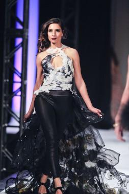Défilé de l'Académie de mode Richard Robinson 2016. Une création de Linda Rios, étudiante en 1ère année. ()