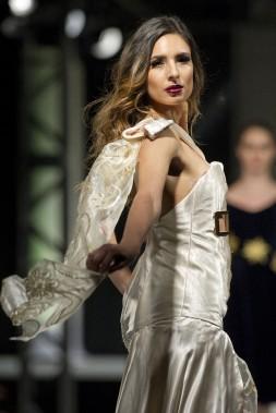 Défilé de l'Académie de mode Richard Robinson 2016. Une création de Linda Ross, étudiante de 1ère année. ()