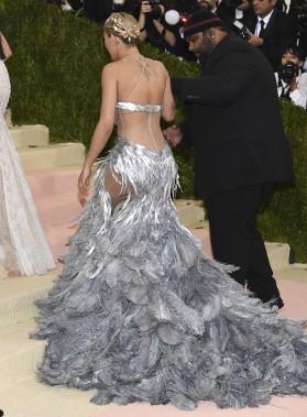 Rita Ora portant une robe Vera Wang (AP, Evan Agostini)