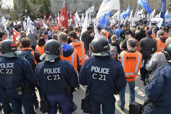 La manifestation qui a duré de 7h à 11h aura toutefois rallié environ 4000 employés municipaux. (Le Soleil, Pascal Ratthé)