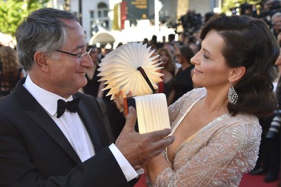 L'atrice française Juliette Binoche en compagnie du cinéaste britannique Peter Suschitzky (AFP)