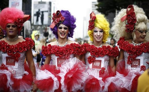 Un projet de loi pour punir l'homophobie se heurte depuis des années à la résistance des courants catholiques et évangéliques au Parlement. Plus de 300 meurtres par an sont enregistrés dans le pays, selon l'organisation Gay da Bahia. (AFP, Miguel Schincariol)