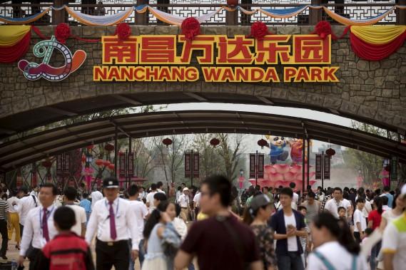 Propriété dumilliardaire Wang Jianlin, le parc à thème entend concurrencer Disney. (AP, Mark Schiefelbein)