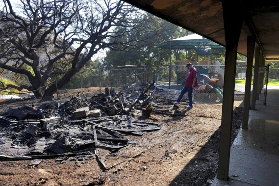 L'incendie a fait des dommages dans ce parc de la ville de Calabasas. (AFP, Michael Owen Baker)
