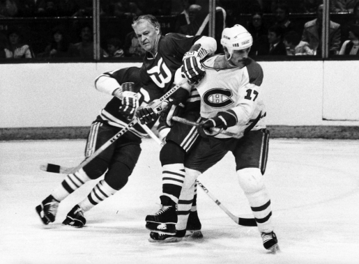 Gordie Howe, avec les Whalers de Hartford, lors d'un match contre le Canadien en 1980. (Photo Armand Trottier, archives La Presse)