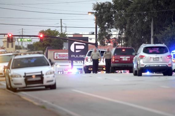 Le club Pulse, théâtre du massacre d'Orlando dimanche à l'aube, est l'une des boîtes de nuit emblématiques de la cause des personnes LGBTI (lesbiennes, gais, bisexuelles, transgenres, intersexuées) en Floride et aux États-Unis. (AP, Phelan M. Ebenhack)
