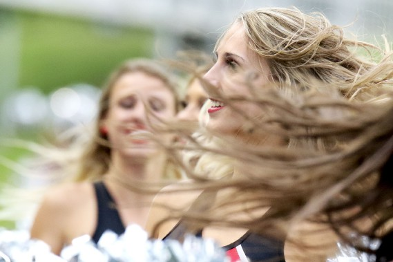 Le vent se faisait sentir sur le terrain. (Patrick Woodbury, LeDroit)