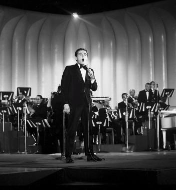 Pierre Lalonde à l'ancêtre du gala de l'ADISQ,<em> Les Grands Prix du Disque</em>, en octobre 1965 (Archives Le Soleil)